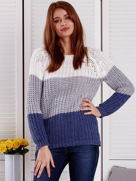 Szary sweter o szerokim splocie                                  zdj.                                  1