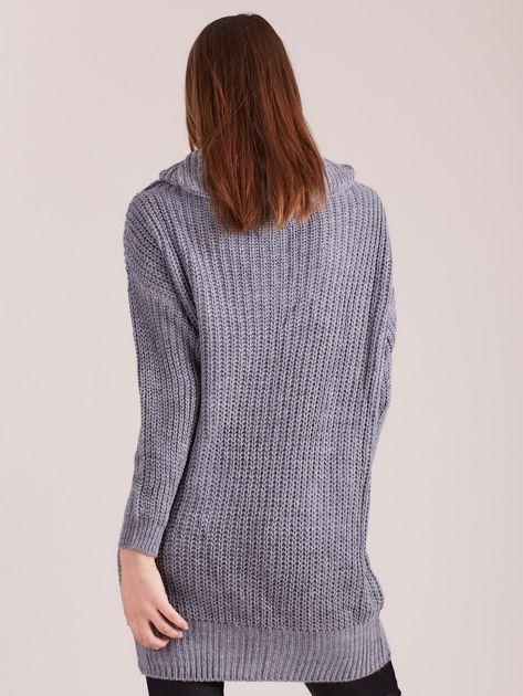 Szary sweter z luźnym golfem                              zdj.                              2