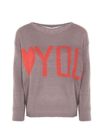 Szary sweter z sercem i napisem YOU
