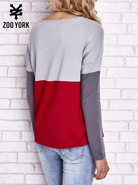 Szary sweter z trójkątnym dekoltem                                  zdj.                                  4