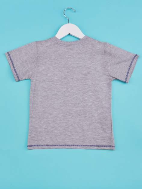 Szary t-shirt chłopięcy z nadrukiem szczeniaczka                                  zdj.                                  2