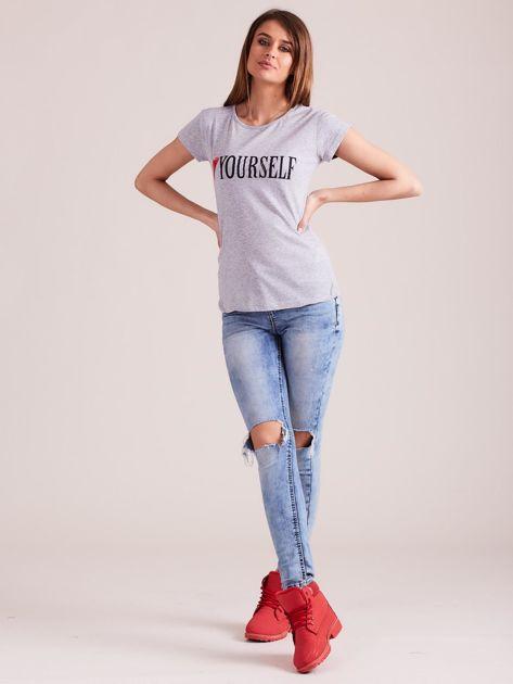 Szary t-shirt damski z nadrukiem                              zdj.                              4