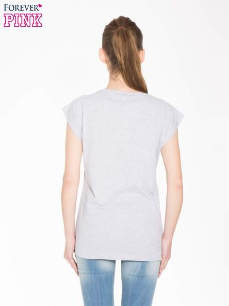 Szary t-shirt z nadrukiem NATURE                                  zdj.                                  3