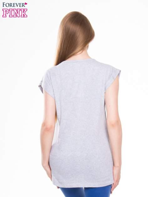 Szary t-shirt z nadrukiem kobiety w stylu fashion                                  zdj.                                  3