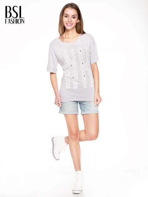 Szary t-shirt z nadukiem WHY? z przodu i na plecach                                  zdj.                                  5