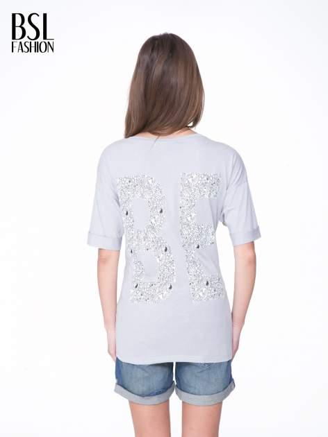 Szary t-shirt z nadukiem WIBE z przodu i na plecach                                  zdj.                                  5