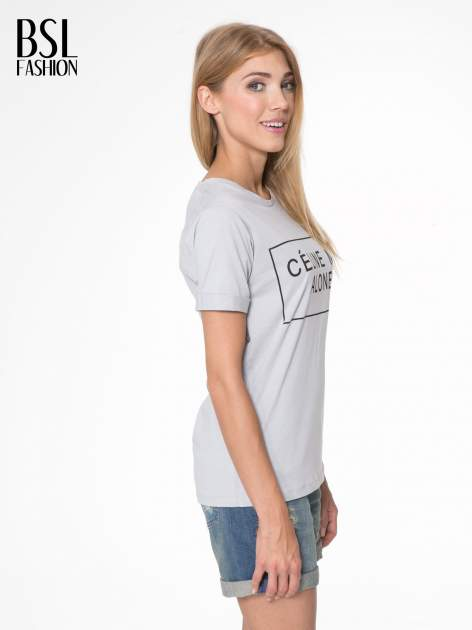 Szary t-shirt z napisem CÉLINE ME ALONE                                  zdj.                                  3