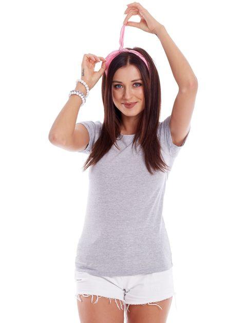 Szary t-shirt z podwijanymi rękawami                              zdj.                              1