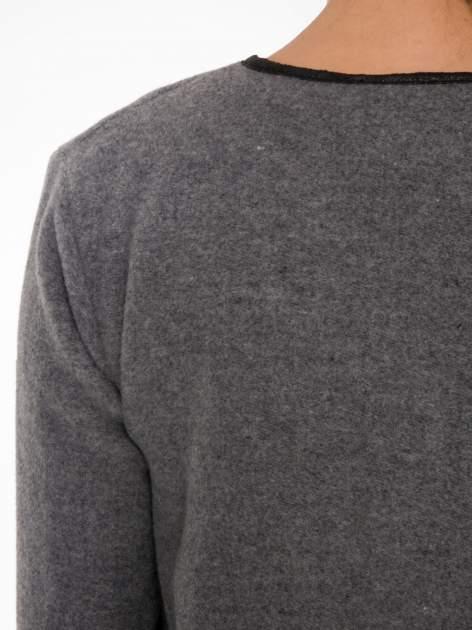 Szary wełniany długi żakiet o pudełkowym kroju ze skórzaną lamówką                                  zdj.                                  5