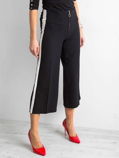 Szerokie spodnie z lampasami czarne                              zdj.                              3