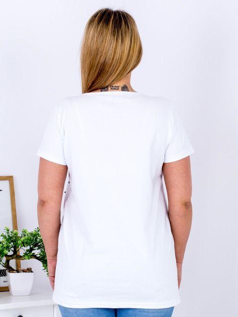 T-shirt biały z gwiazdą z perełek PLUS SIZE                                  zdj.                                  2