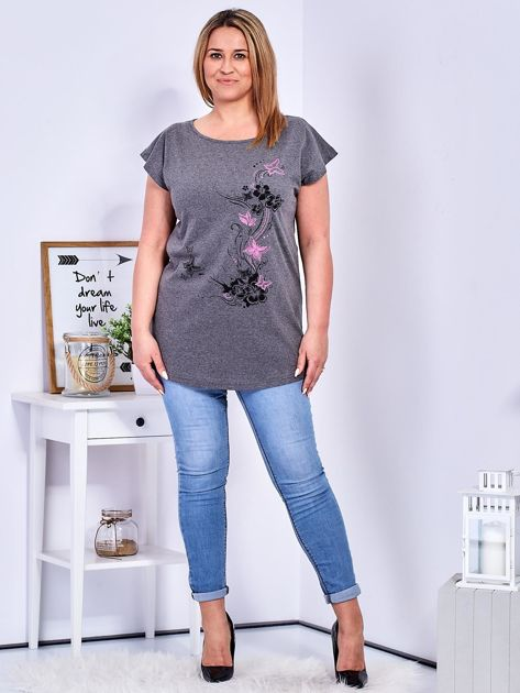T-shirt ciemnoszary z nadrukiem motyli PLUS SIZE                              zdj.                              4