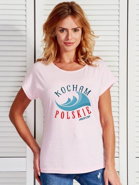 T-shirt damski patriotyczny KOCHAM POLSKIE MORZE jasnoróżowy                              zdj.                              1