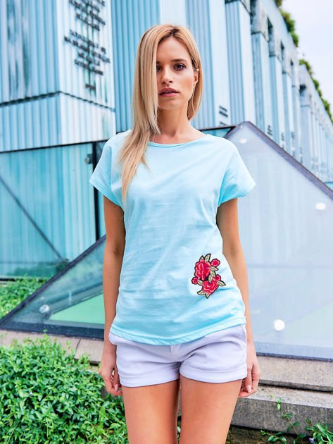 T-shirt damski turkusowy z naszywką                              zdj.                              1
