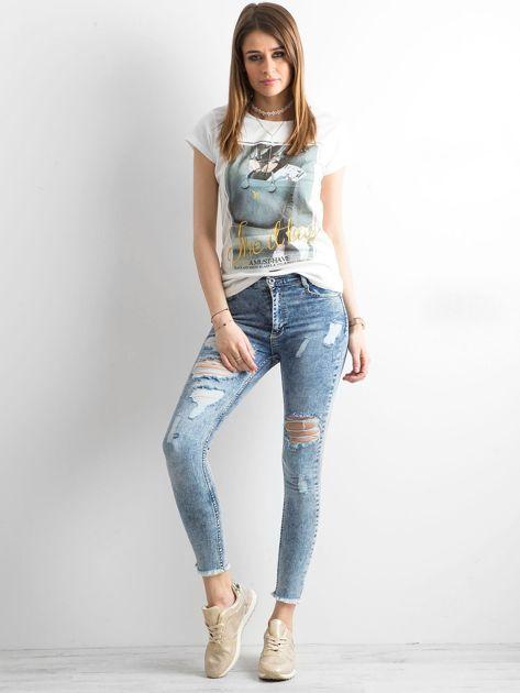 T-shirt damski z bawełny z nadrukiem ecru                              zdj.                              4