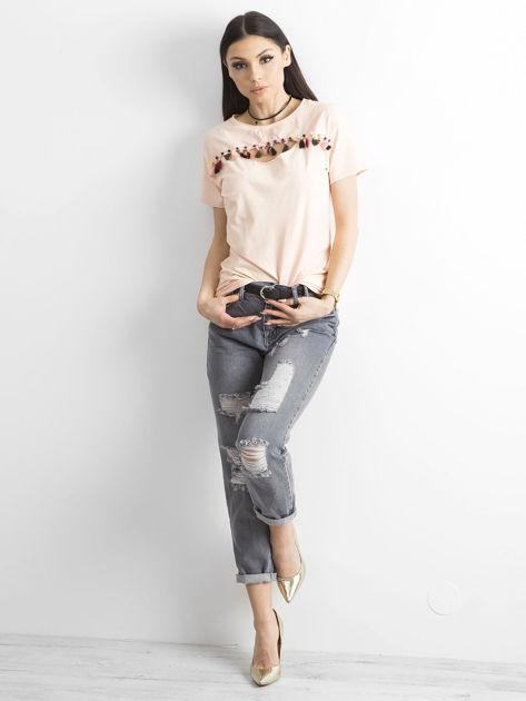 T-shirt damski z kolorowymi pomponikami jasnoróżowy                              zdj.                              4