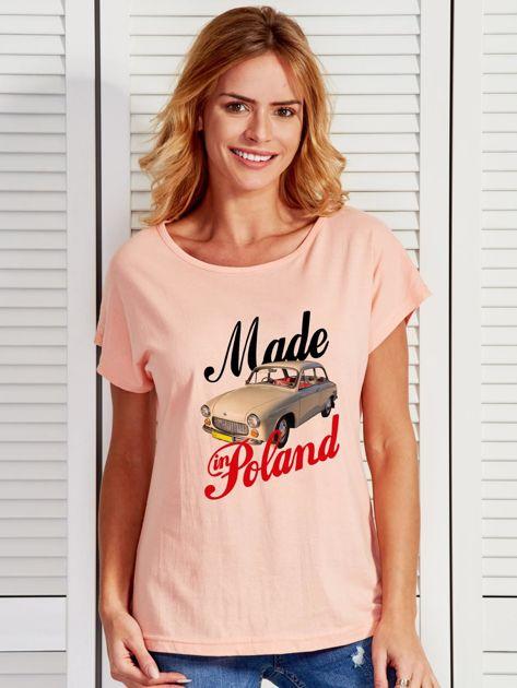 T-shirt damski z nadrukiem samochodu Syrenki łososiowy                              zdj.                              1