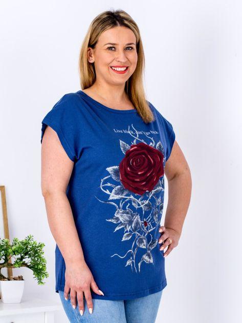 T-shirt granatowy z różą PLUS SIZE                              zdj.                              3