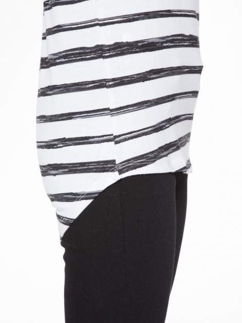 T-shirt na szerokich ramiączkach w biało-czarne paski                                  zdj.                                  10