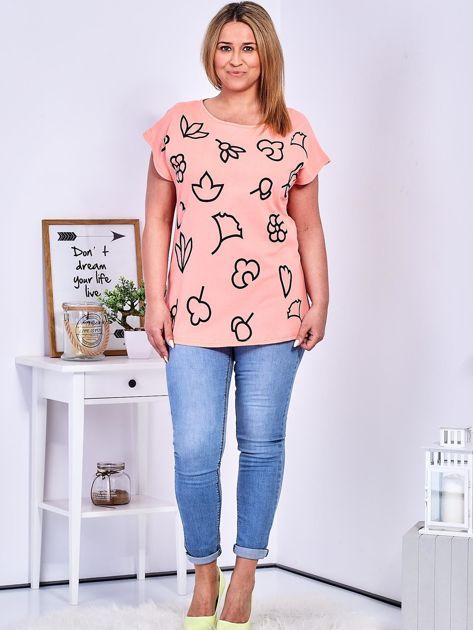 T-shirt różowy z nadrukiem PLUS SIZE                              zdj.                              4