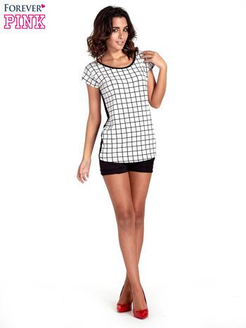 T-shirt w biało-czarną kratkę z koronką z tyłu                                  zdj.                                  2