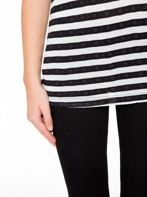 T-shirt w biało-czarne paski z siateczkową górą                                  zdj.                                  7