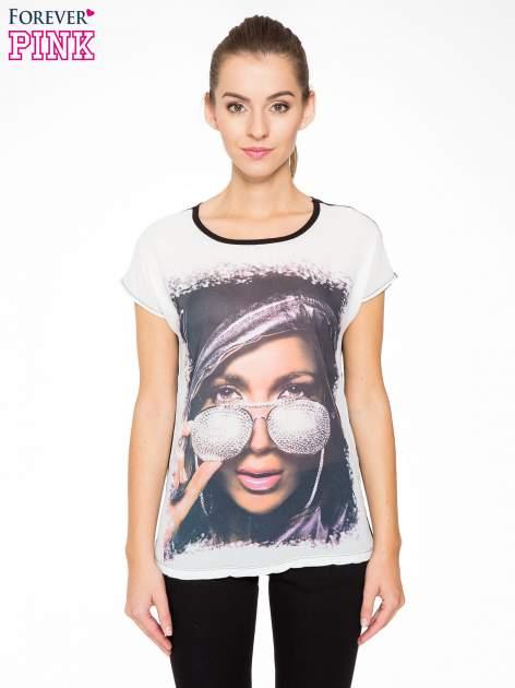 T-shirt z nadrukiem w stylu glam i czarnym tyłem