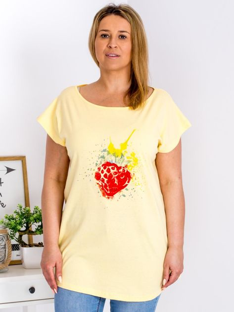 T-shirt żółty z truskawką PLUS SIZE                              zdj.                              1