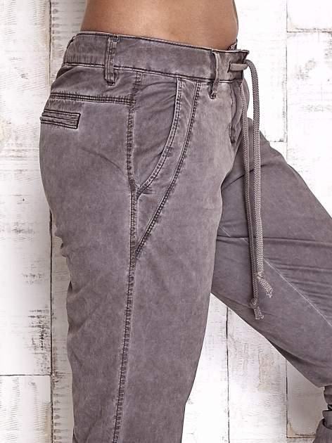 TOM TAILOR Ciemnoszare spodnie chinosy z troczkiem                                  zdj.                                  5