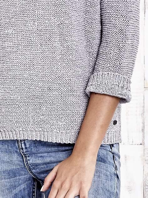 TOM TAILOR Szary sweter z kokardą na plecach                                  zdj.                                  6