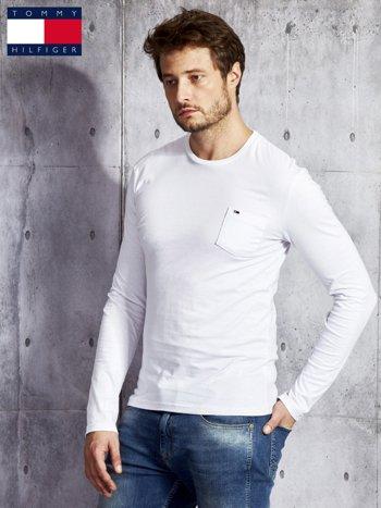 TOMMY HILFIGER Biała bluzka męska z kieszonką                              zdj.                              5
