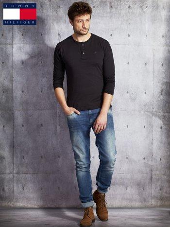 TOMMY HILFIGER Czarna bluzka męska z guzikami                               zdj.                              4