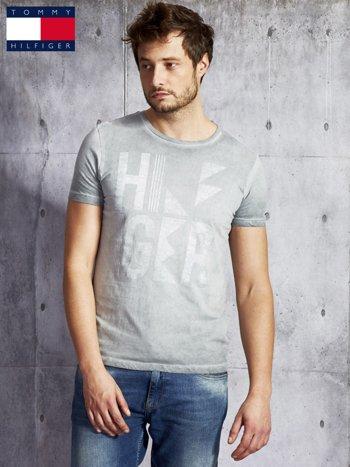TOMMY HILFIGER Szary dekatyzowany t-shirt męski                              zdj.                              1