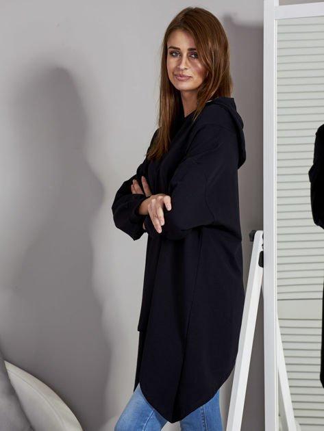 Tunika damska z kapturem z asymetrycznym dołem czarna                              zdj.                              3