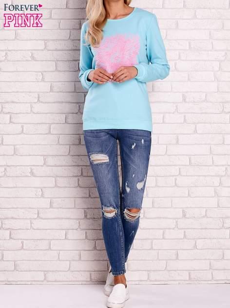 Turkusowa bluza z kolorowym nadrukiem                                  zdj.                                  2