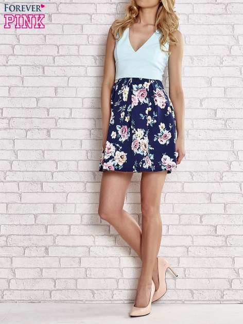 Turkusowa sukienka z kwiatowym dołem i z suwakiem z tyłu                                  zdj.                                  5