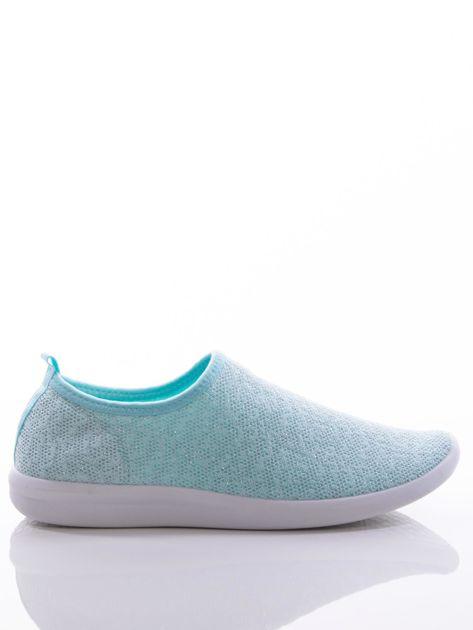Turkusowe dzianinowe buty sportowe z błyszczącą nitką na bialej podeszwie                              zdj.                              1