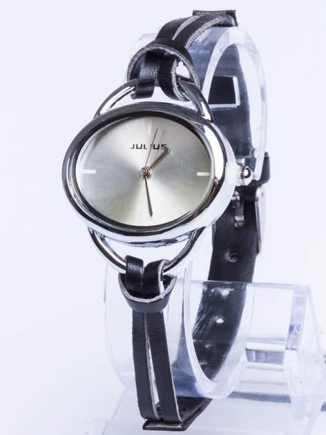 Zegarek damski na czarnym rzemyku