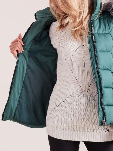Zielona kurtka puchowa z kapturem                              zdj.                              7
