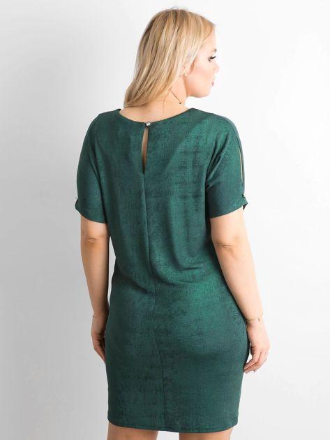 Zielona sukienka z delikatnym połyskiem PLUS SIZE                              zdj.                              2