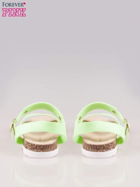 Zielone sandały z blaszką na korkowej podeszwie                                  zdj.                                  3