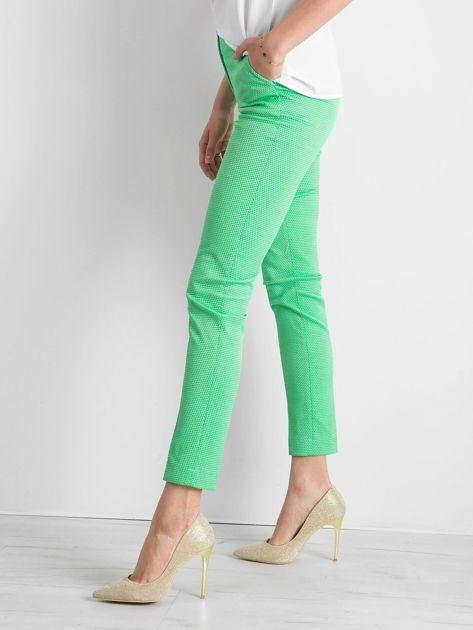 Zielone spodnie damskie o prostym kroju                              zdj.                              3