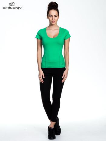 Zielony damski t-shirt sportowy z dekoltem U                                  zdj.                                  2
