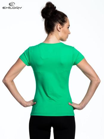 Zielony damski t-shirt sportowy z dekoltem U                                  zdj.                                  3