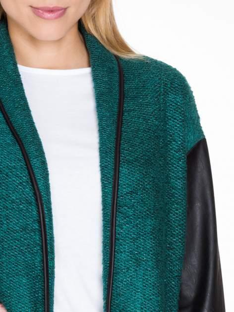 Zielony otwarty płaszcz ze skórzanymi rękawami                                  zdj.                                  5