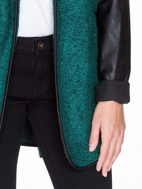Zielony otwarty płaszcz ze skórzanymi rękawami                                  zdj.                                  6