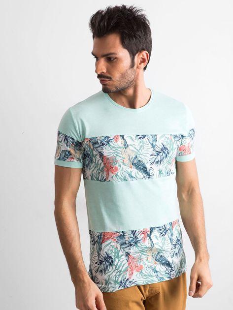 Zielony t-shirt męski z motywem roślinnym                              zdj.                              1