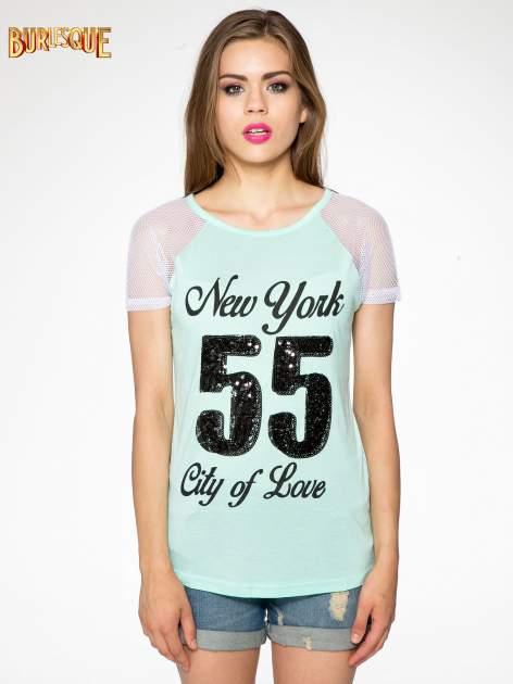 Zielony t-shirt z nadrukiem NEW YORK 55 i siatkowymi rękawami                                  zdj.                                  11