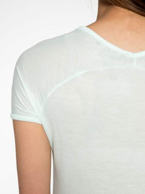 Zielony t-shirt z nadrukiem PARIS                                  zdj.                                  8