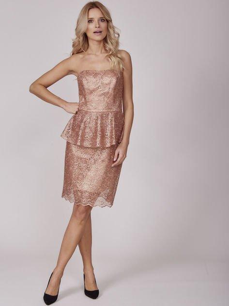 Złota sukienka koktajlowa z baskinką                              zdj.                              4